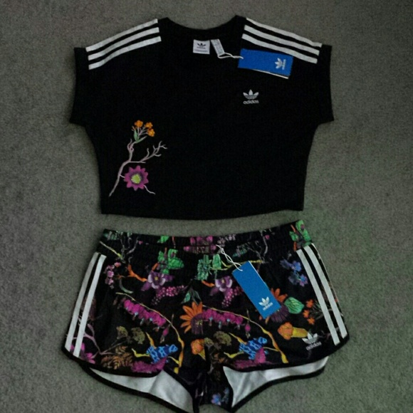 f95bc6ff0087 Adidas Poisonous Garden Cropped Top   Shorts SET